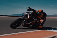 KTM 1290 Super Duke RR 2021 teaser (2)