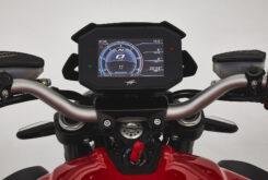 MV Agusta Brutale 800 Rosso 2021 detalles (21)