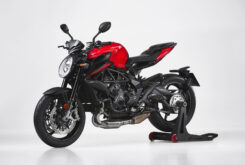 MV Agusta Brutale 800 Rosso 2021 estudio (4)