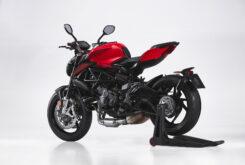 MV Agusta Brutale 800 Rosso 2021 estudio (6)