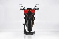 MV Agusta Brutale 800 Rosso 2021 estudio (7)