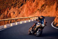 MV Agusta Turismo Veloce 800 Lusso 2021 accion (16)