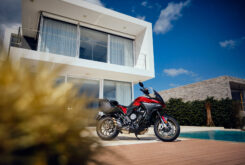 MV Agusta Turismo Veloce 800 Lusso SCS 2021 estaticas (10)