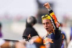 Pedro Acosta victoria Moto3 Qatar Doha 2021 (3)