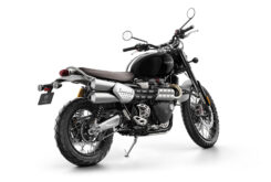 Triumph Scrambler 1200 XC 2021 color sapphire black 4