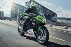 Kawasaki Ninja 125 2021 (4)
