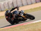 Triumph Speed Triple 1200 RS 2021 prueba circuito 27