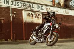Yamaha XSR700 2021 (2)
