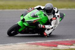 Kawasaki ZX 10R 2021 Jon Urry prueba (10)