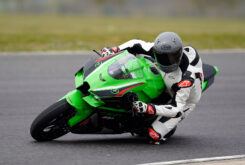 Kawasaki ZX 10R 2021 Jon Urry prueba (11)