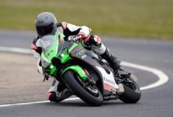 Kawasaki ZX 10R 2021 Jon Urry prueba (17)