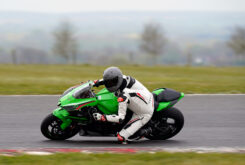 Kawasaki ZX 10R 2021 Jon Urry prueba (4)