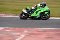 Kawasaki ZX 10RR 2021 Jon Urry prueba (6)