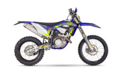Sherco 300 SEF Racing 2022 enduro estudio (1)
