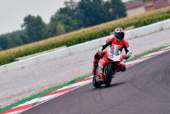 Ducati Panigale V2 Bayliss 2022 (32)