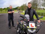 Jonathan Rea saca carnet moto
