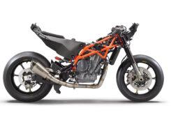 KTM RC 8C 2022 (2)