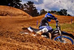 Yamaha YZ250 Monster Edition 2022 motocross (5)