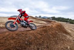 Honda CRF250R 2022 motocross (2)