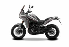 Moto Marini X Cape 650 2022 estudio (2)