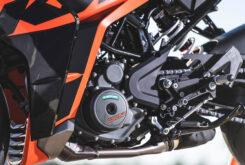 Prueba KTM RC 390 2022 Detalles50