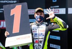 Supersport 300 Adrian Huertas doblete Magny Cours (1)