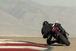 Triumph Speed Triple 1200 RR 2022 dinamicas (16)