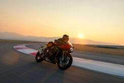 Triumph Speed Triple 1200 RR 2022 dinamicas (20)