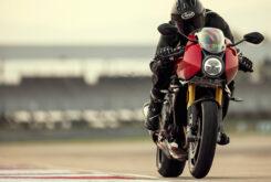 Triumph Speed Triple 1200 RR 2022 dinamicas (3)