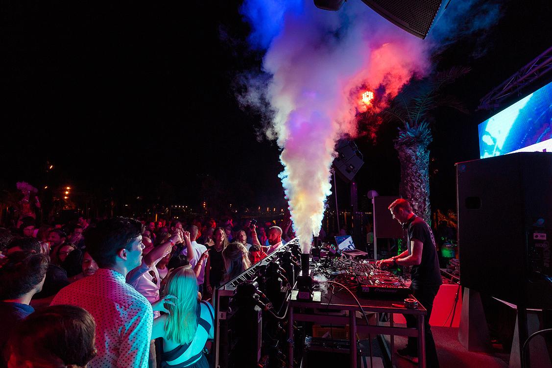 WET® DECK SUMMER SERIES 2019 W BARCELONA