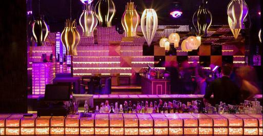 Bling Bling Bling Bling Carrer de Tuset, 8, 08006 Barcelona, España