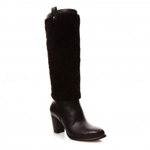 UGG Ava bontlaarzen met leer voor €59 dmv code