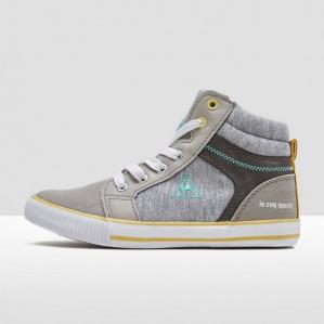 Aktiesport sale met 20% extra korting op geselecteerde sneakers