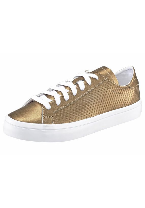 Dames sneakers Courtvantage voor €25
