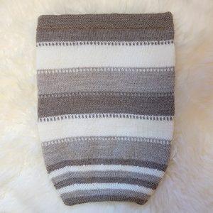 Kosepose med striper - Beige Beige