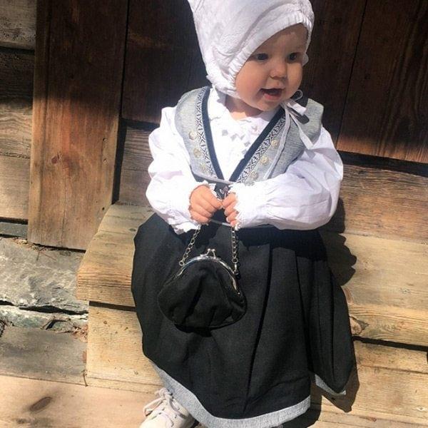 Lise-baby-solv-1