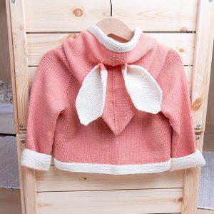 Bluum strikkejakke med hette og ører - i Zarina