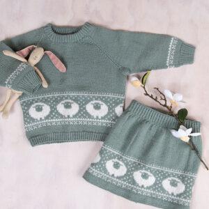 Bluum strikkesett - Billebæ genser og skjørt i Pure Eco Baby Wool