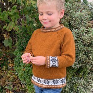 Bluum strikkegenser - Åttebladsrose + lue i Pure Eco Baby Wool