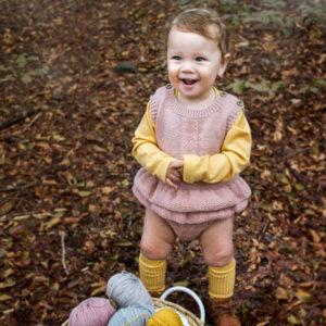 Bluum strikkeromper med rysjer - Hardanger i Pure Eco Baby Wool