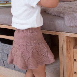 Bluum strikk - Ylva danseskjørt i Pure Eco Baby Wool - Sirissima strikk