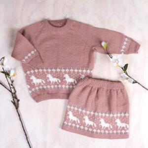 Bluum strikkesett - Enhjørning genser og skjørt i Pure Eco Baby Wool
