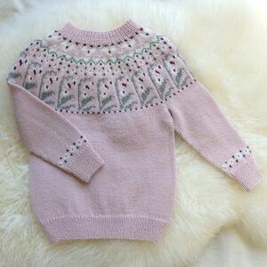 Bluum strikk - Klokke-genseren i Pure Eco Baby Wool