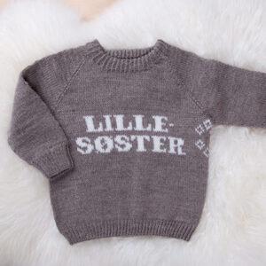 Bluum strikk - Lillesøster-genseren i Pure Eco Baby Wool
