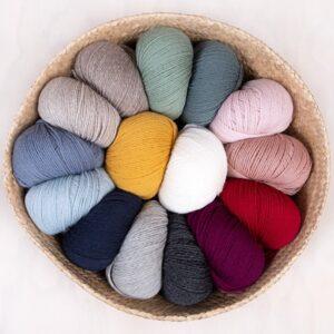 Bluum strikk - Hval-genser i Pure Eco baby Wool