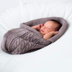 Bluum strikk - Kosepose Flette - flere fargevalg i Pure Eco Baby Wool