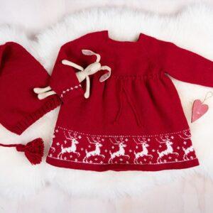 Bluum strikk - Reinsdyrkjole med nisselue i Pure Eco Baby Wool