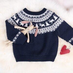 Bluum strikk - Vinternatt-genser med nisselue i Pure Eco Baby Wool