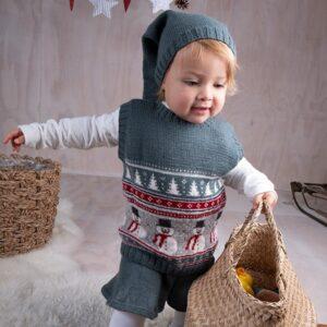 Bluum strikk - Julevest 5 frg m/skjørt og nisselue i Soft Merino Ull