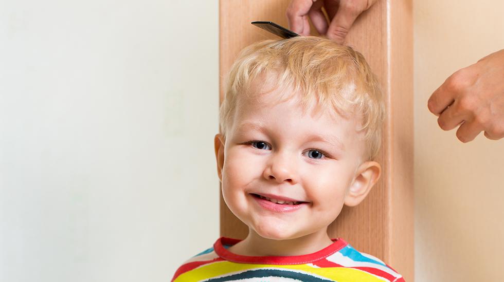 Er barnet ditt høyere eller lavere enn de andre barna i barnehagen? Illustrasjonsfoto: Shutterstock